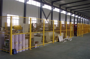 Installation procedure of workshop isolation net