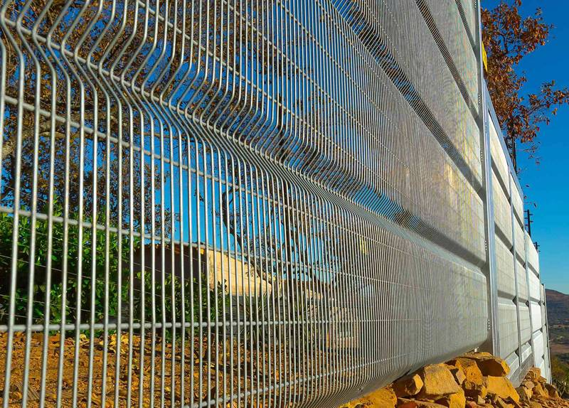 Vertical Wire With V Fold 358 security fence